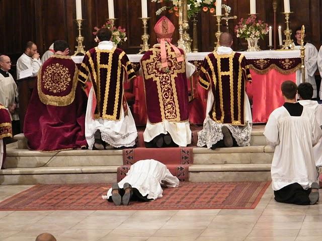 http://www.schola-sainte-cecile.com/wp-content/2011/05/Ordination-diaconale-Toulon.jpg