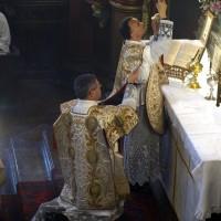 Fête-Dieu 2012 : l'élévation du sang du Seigneur