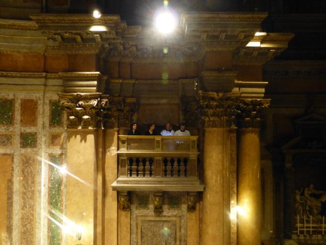 Le second des trois chœurs dans les tribunes de la Trinité des Pèlerins