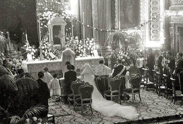 Vélation nuptiale à San Sébastien en Espagne en 1949-03